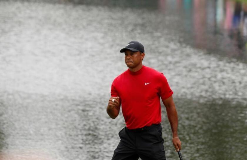"""Tiger Woods se viste con su quinta """"chaqueta verde"""" en el Masters de Augusta"""