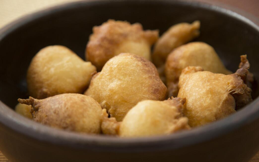 Buttermilk beer beignets