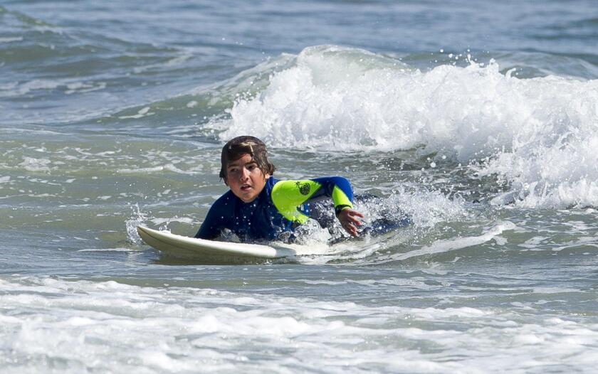 tn-tn-hbi-me-0526-surf-class-kid-4-20160601
