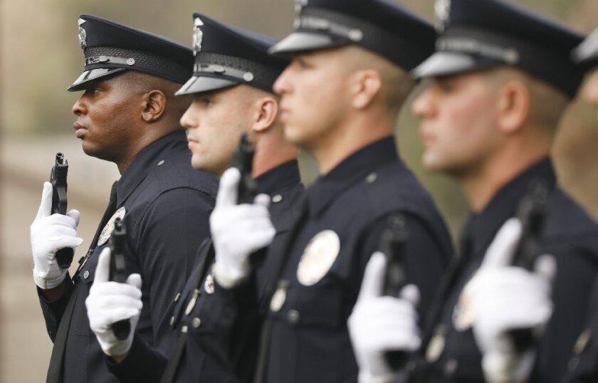 Muy pronto podrían ser residentes de LA los que juzguen a los agentes de LAPD en lugar de las autoridades