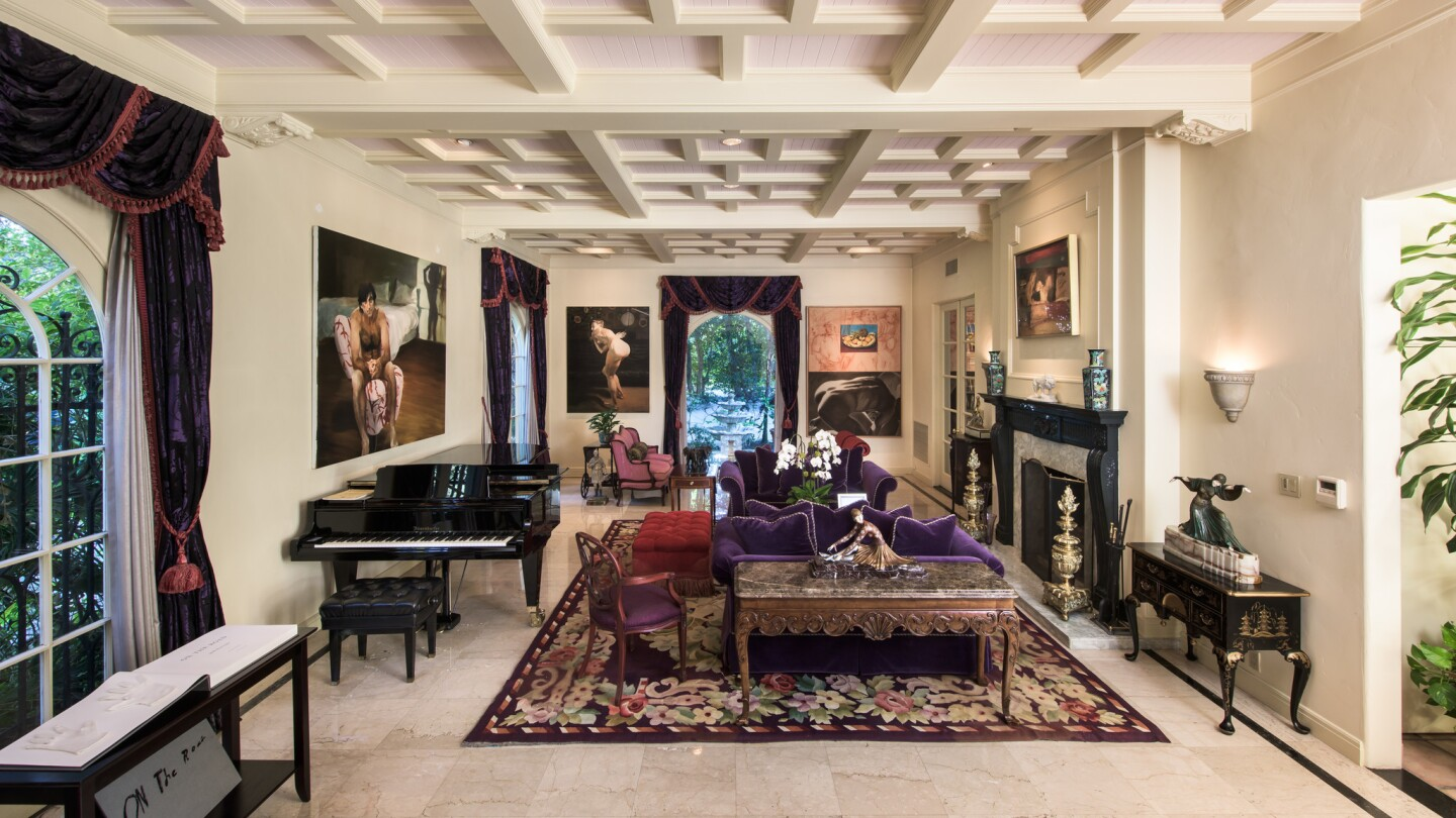 Arnold Kopelson's Beverly Hills home | Hot Property