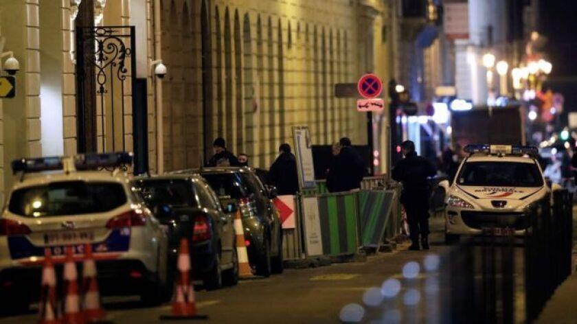 Cinco ladrones irrumpieron este miércoles en el famoso Hotel Ritz de París y se hicieron con un botín de joyas valorado en cerca de US$4,8 millones.