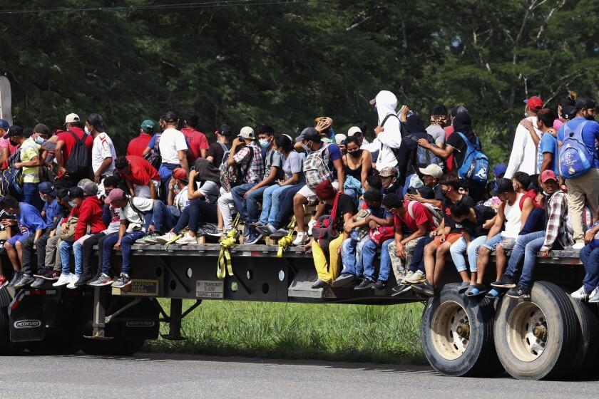 Migrantes de Honduras avanzan en larga marcha hacia EEUU