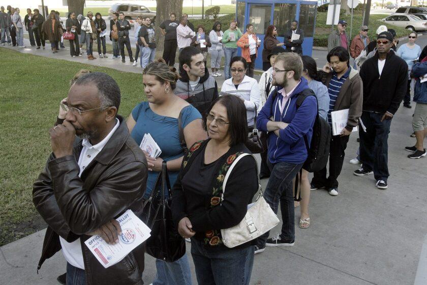 Voters wait in long lines in 2008