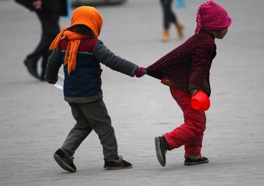 Uno de los análisis, dirigido por investigadores de Canadá, concluyó que la mayoría de las 200.000 muertes de niños de entre 5 a 14 años de edad que cada año se producen en India, China, Brasil y México son evitables. EFE/Archivo