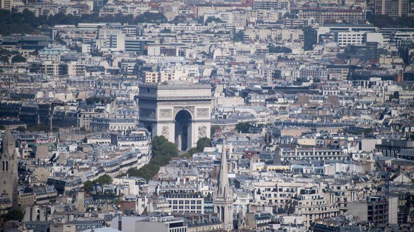 FRANCE-WEATHER-HEAT-PARIS