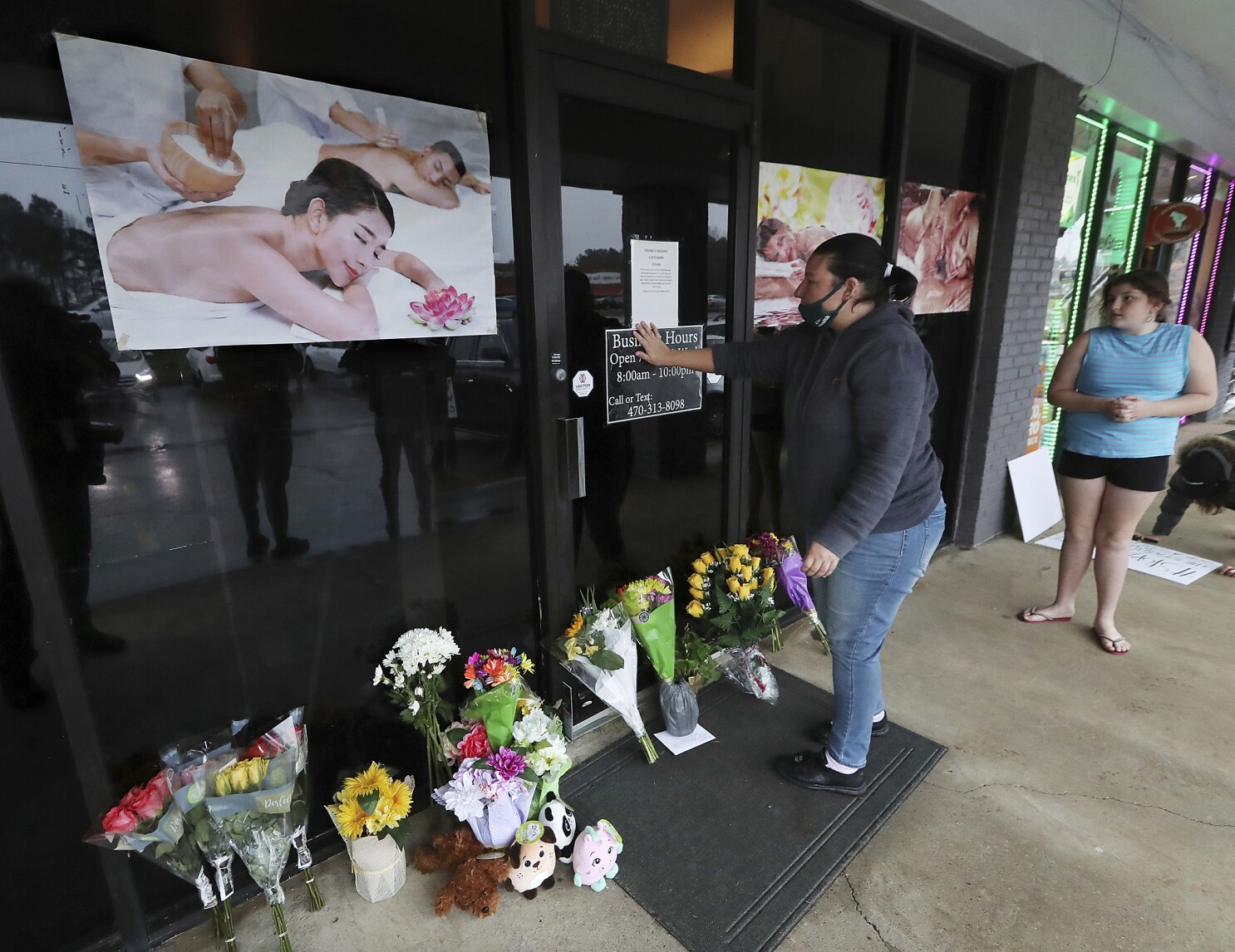 Atlanta Shootings Stir Fear Amid Rise In Anti Asian Hate Crimes Los Angeles Times