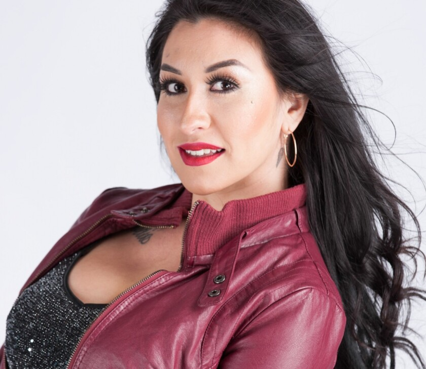 La cantante Beatriz Solis es hija de Marco Antonio y Beatriz Adriana, dos grandes figuras mexicanas.