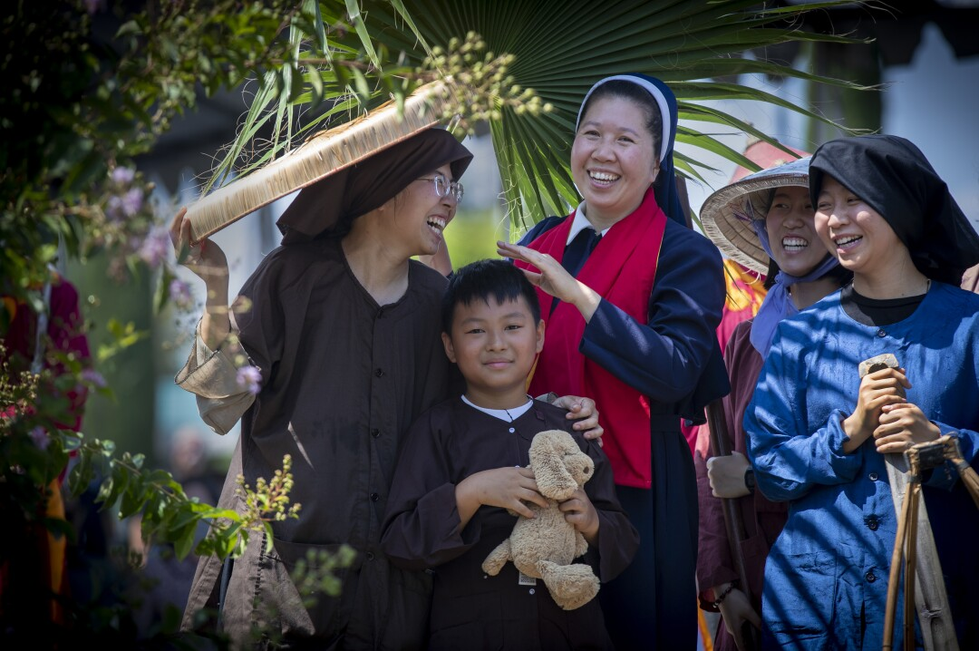 Photos: thousands of people attend the unveiling of the statue of the Lady of La Vang