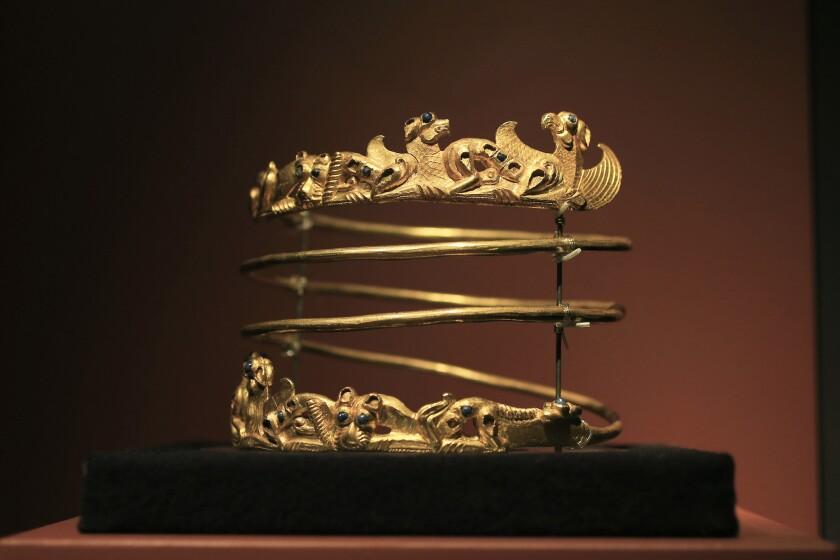 Crimean gold artifacts
