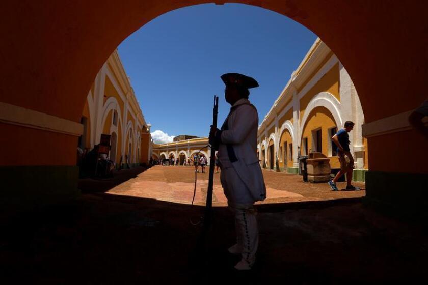 Fotografía de archivo del Castillo San Felipe del Morro en el extremo norte de San Juan. EFE/Archivo