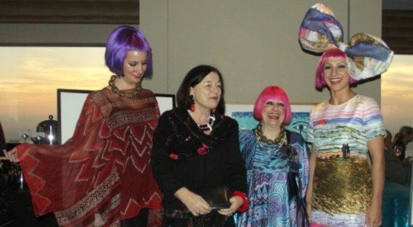 Zandra Rhodes with Erika Torri, flanked by two models (Photo/Diane Y. Welch)