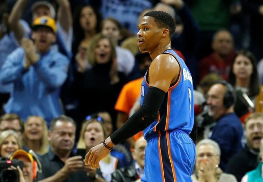 124-109. Westbrook consigue doble-doble y pone líderes a los Thunder