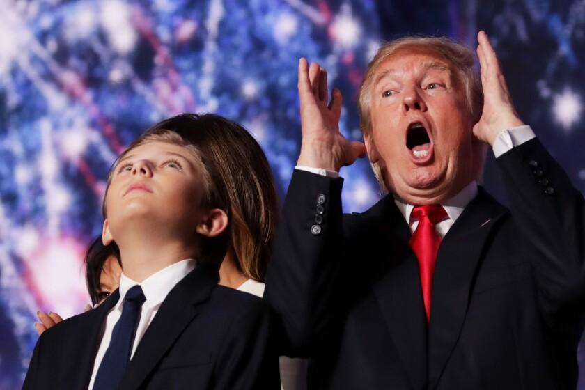 Donald Trump con su hijo Barron en la Convención Republicana de 2016