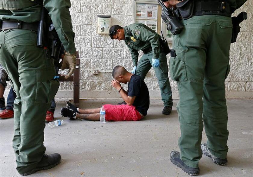 La Unión Americana de Libertades Civiles (ACLU) ha demandado al Gobierno federal por impedir que los inmigrantes detenidos en una cárcel federal en Victorville, al noreste de Los Ángeles, reciban a sus abogados, informó hoy la organización. EFE/ARCHIVO