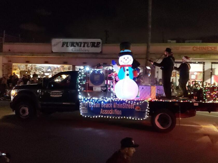 Is that Frosty on the OB MainStreet Association float?