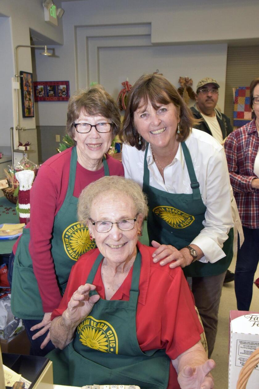 Event co-chairs Pam Dalton, Phyllis Schwartzlose, Lenore Dale