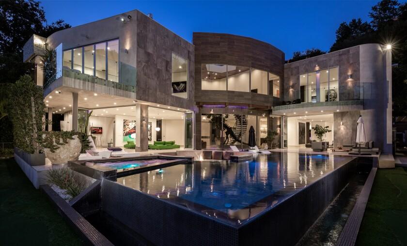 Modern mansion in Bel-Air