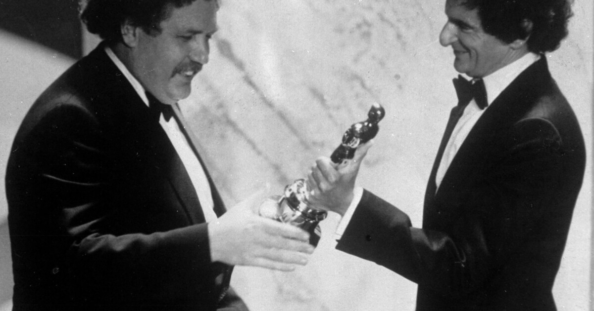 Colin Welland Dies At 81 Oscar Winning Writer Of Chariots Of Fire Los Angeles Times