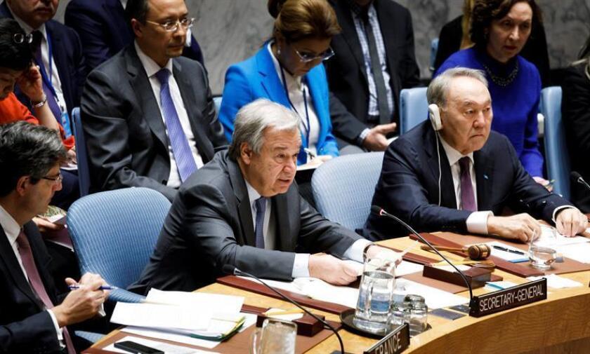 El secretario general de las Naciones Unidas, Antonio Guterres (c), participa en una reunión del Consejo de Seguridad de Naciones Unidas sobre la no proliferación de armas nucleares en Nueva York (Estados Unidos) hoy,k 18 de enero de 2018. EFE