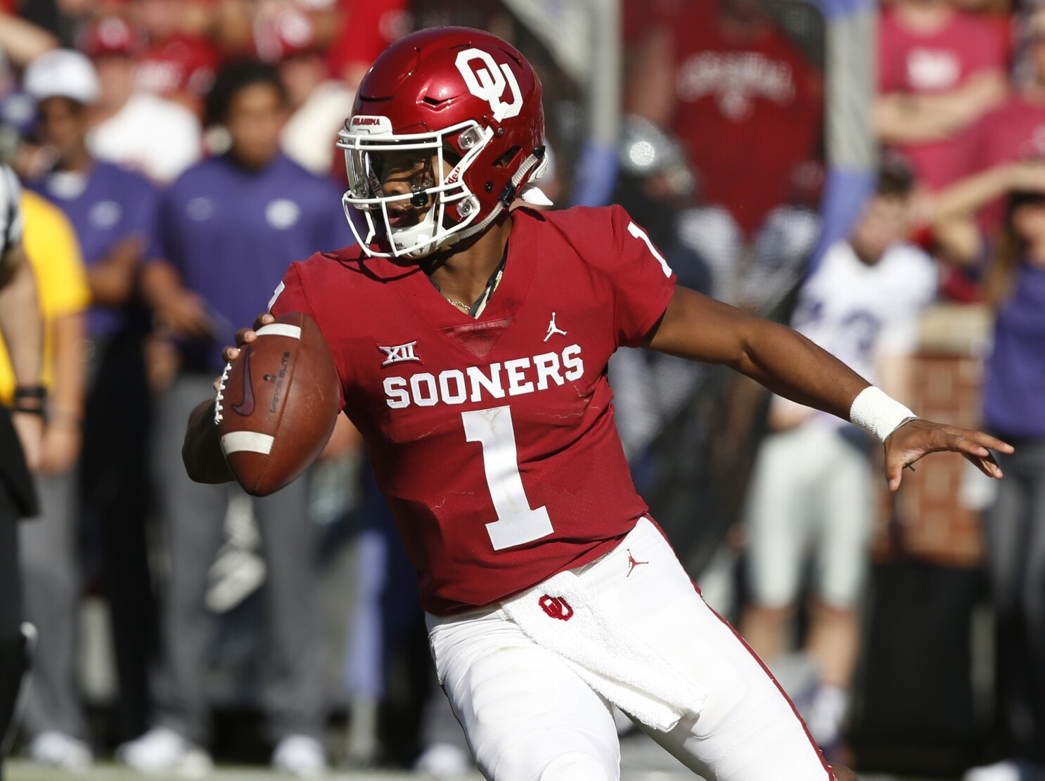 87a6bc9dc Column: Fate of Kyler Murray provides only buzz to NFL Draft this year