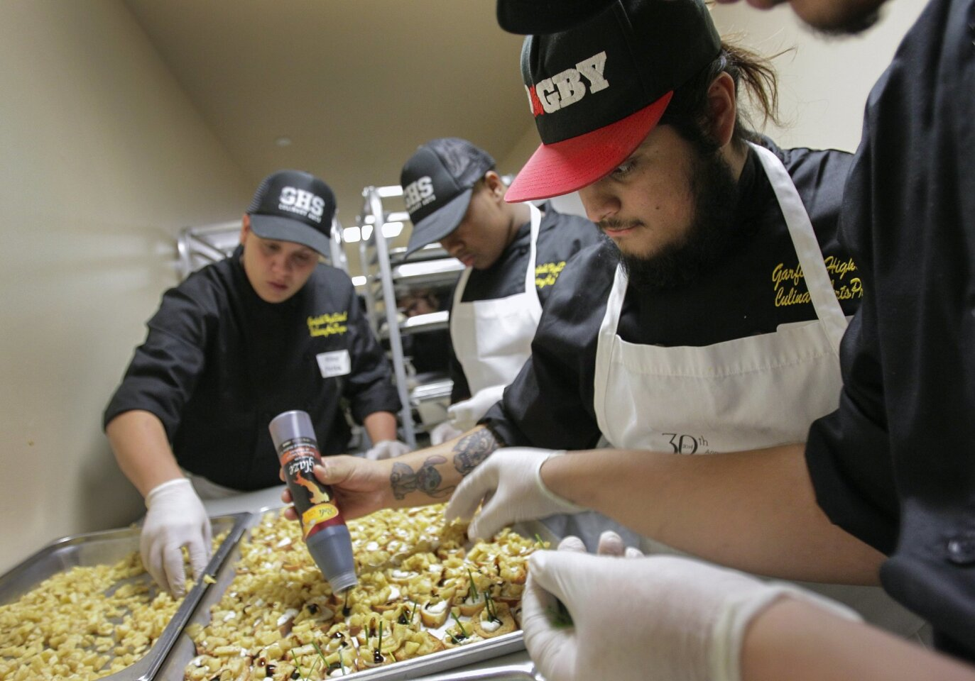 Students serve up a Thanksgiving feast