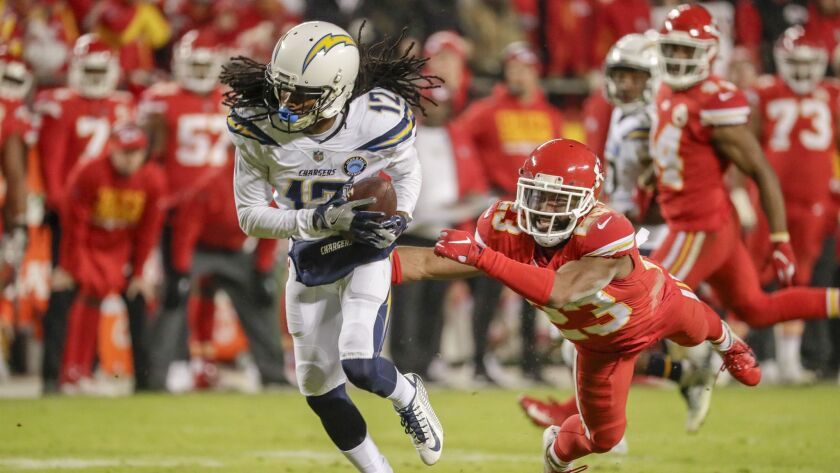 KANSAS CITY, MO., THURSDAY, DECEMBER 13, 2018 - Chargers receiver Travis Benjamin pulls down a pass