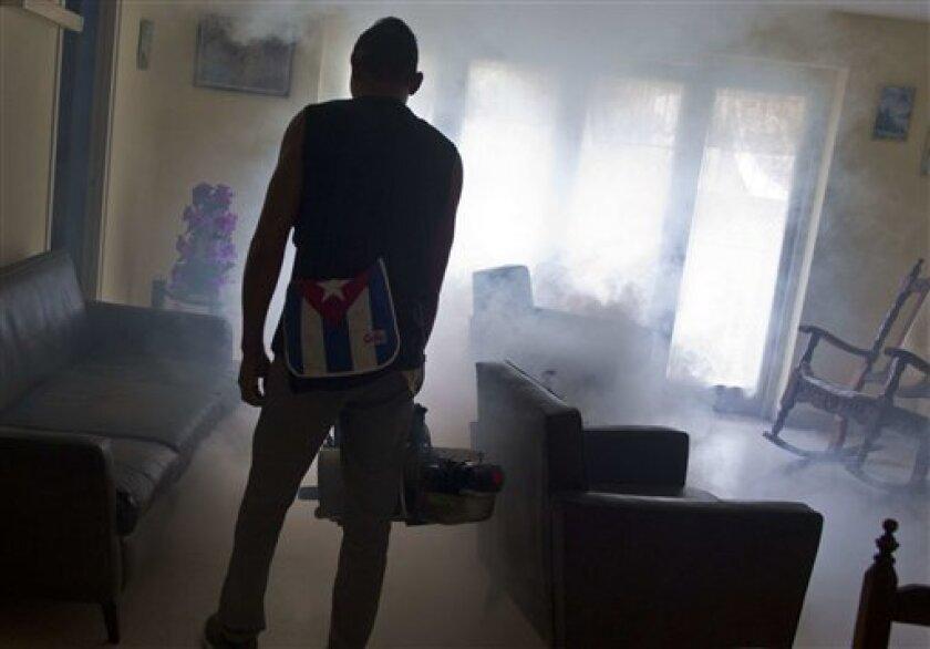 Seis meses después de que el presidente Raúl Castro le declaró la guerra al zika en Cuba, la campaña nacional de aplicación de insecticidas, monitoreo de síntomas y declaración de cuarentenas parece estar funcionando.