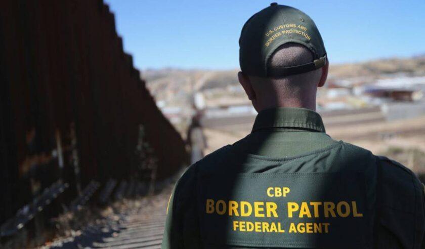 Un niño de cinco años y su familia de origen mexicano fueron rescatados del desierto de Arizona después de caminar por siete días, informó hoy la Patrulla Fronteriza Sector Tucson.