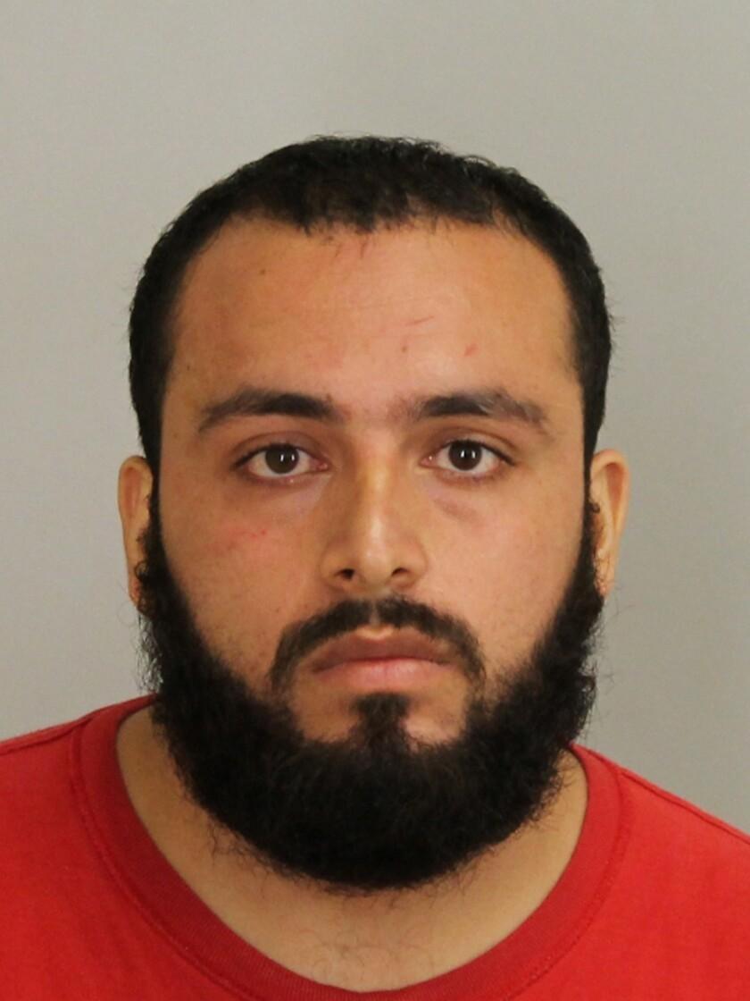 En esta imagen de archivo, tomada en septiembre de 2016 y distribuida por la fiscalía del condado de Union, muestra a Ahmad Khan Rahami, detenido como sospechoso de colocar bombas en Nueva York y New Jersey. (Fiscalía del condado de Union via AP, archivo)