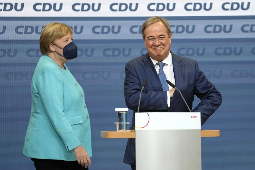 La canciller Angela Merkel, con mascarilla para protegerse del coronavirus