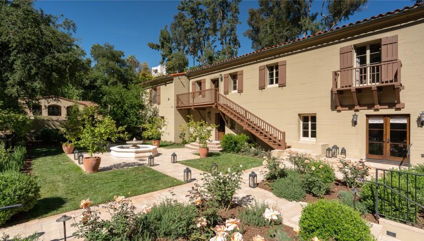 Mediterranean villa in Pasadena