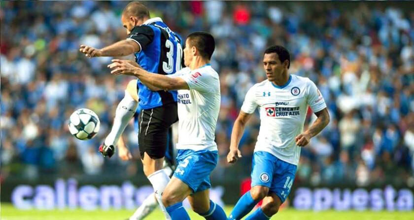 Querétaro y Cruz Azul tienen cotizadas nóminas de foráneos, pero no se ha reflejado en buenos resultados...