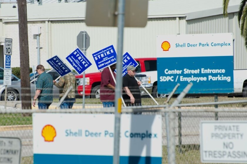 United Steelworkers members picket at a Shell Oil refinery in Deer Park, Texas, on Feb. 1.