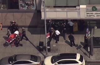 Al menos dos personas baleadas dentro de un hospital de NYC, el atacante murió