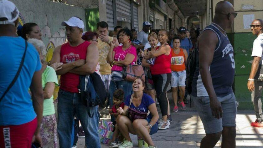 Tras escasez en Cuba crece temor a nueva crisis - Los Angeles Times