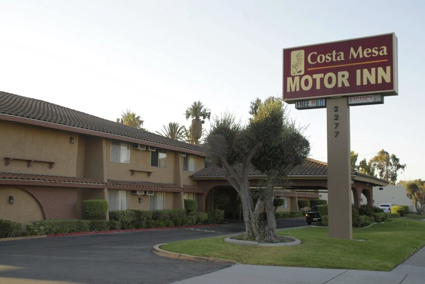 An ordinance that limits how long people can stay at Costa Mesa motels is facing a legal challenge.
