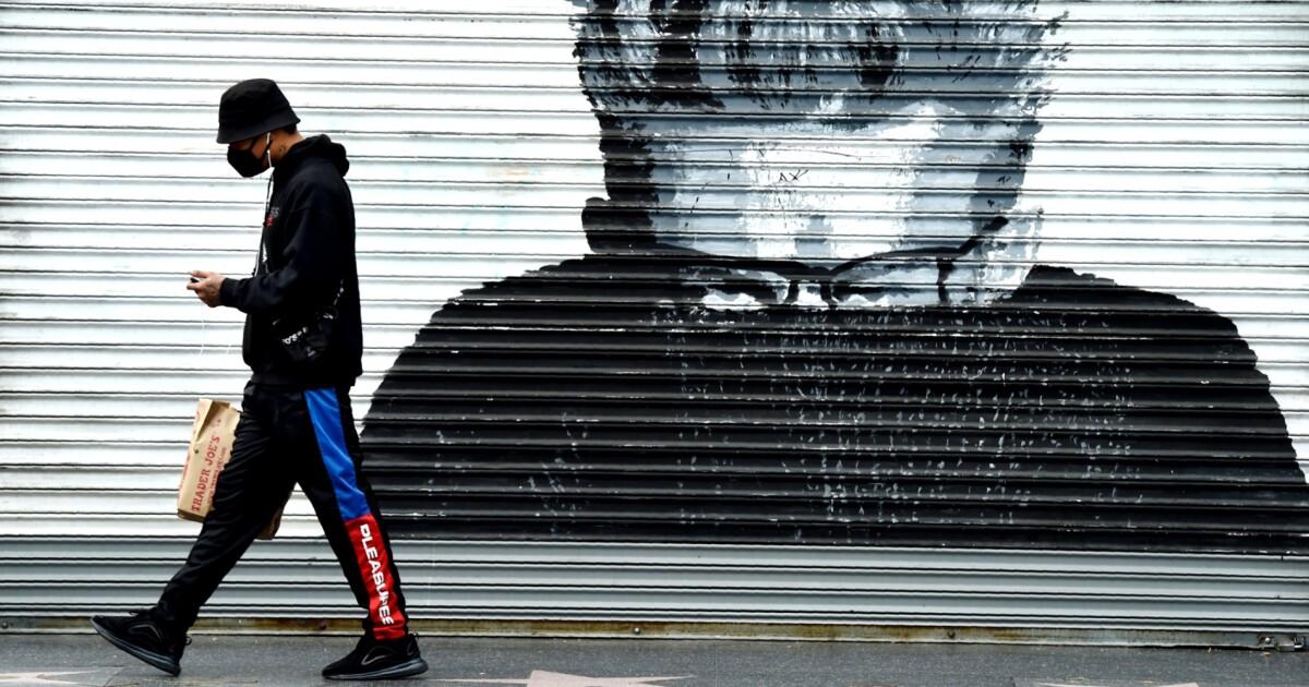 Newsom, sagt Gesicht-Beläge können helfen, aber in Kalifornien nicht Mandat jetzt