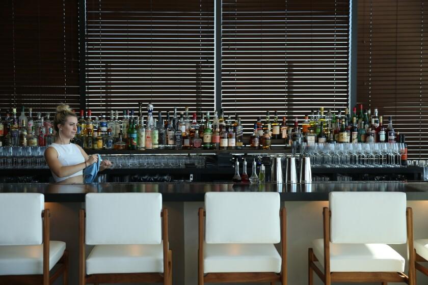472036-la-hm-edition-hotel-weho-14-BRV.jpg