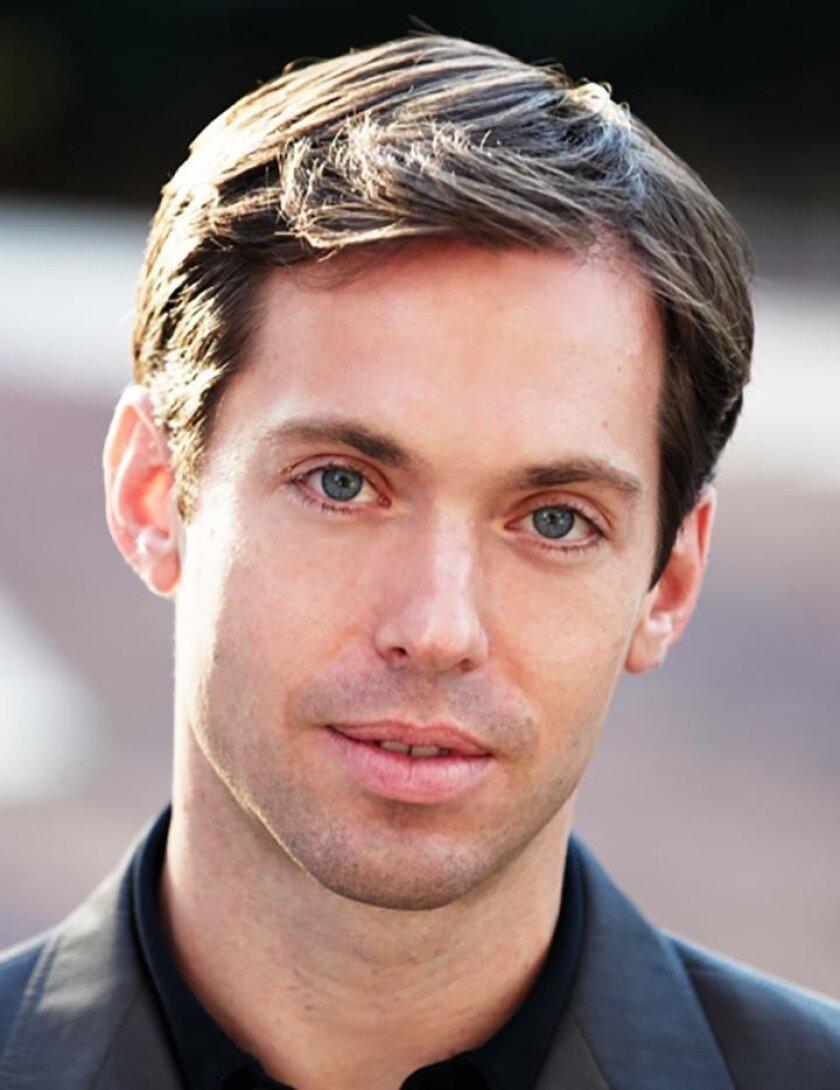Baritone Darren Chase
