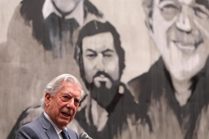 """El trabajo de la agente literaria española Carmen Balcells fue """"absolutamente fundamental"""" para cambiar la idea de los editores hacia la literatura latinoamericana y acercar a los escritores de lengua castellana de ambos lados del Atlántico, dijo hoy Mario Vargas Llosa. EFE"""