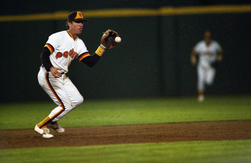 Padres third baseman Graig Nettles fields a bouncing ball hit to him in 1984.