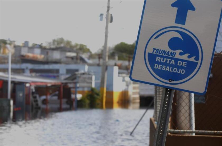 El comisionado del Negociado para el Manejo de Emergencias y Administración de Desastres (NMEAD) del Departamento de Seguridad Pública (DSP) de Puerto Rico, Carlos Acevedo, presentó hoy la campaña educativa para la nueva temporada de huracanes 2018. EFE/Archivo