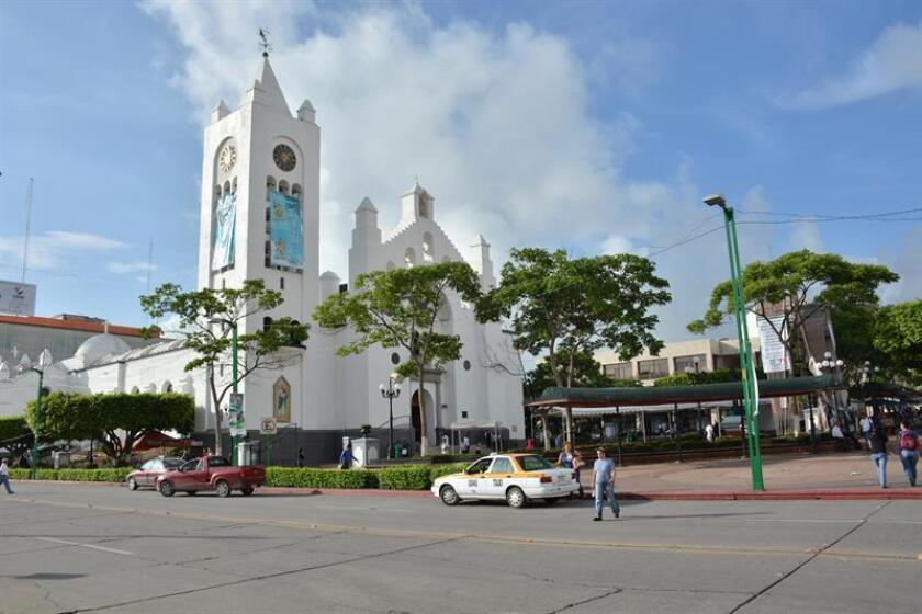 Vista general del lunes 7 de julio de 2014 de la plaza principal de la ciudad de Tuxtla Gutierrez en el mexicano estado de Chiapas cuyos habitantes se mantienen en calma tras el sismo de 6,9 . EFE/Archivo