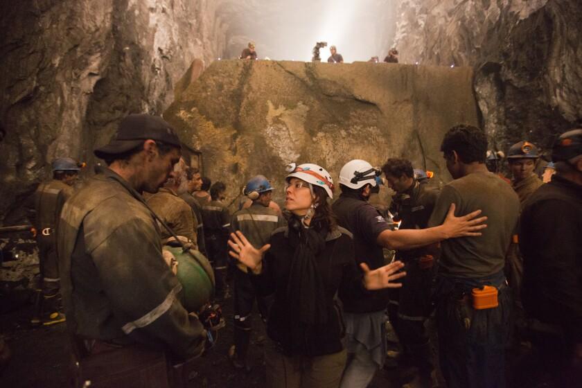 """Patricia Riggen, directora de """"La misma luna"""", regresa a las salas de EE.UU. con una cinta basada en el drama de los mineros chilenos del 2010."""