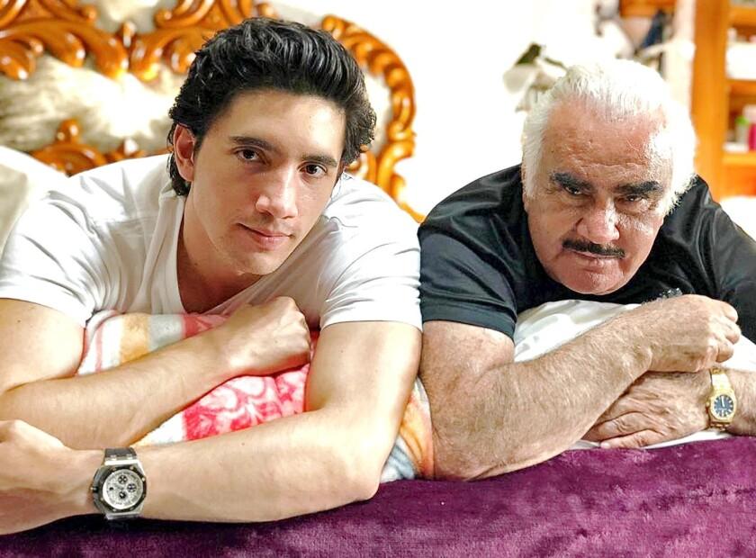 Alex Fernandez y su abuelo Chente.