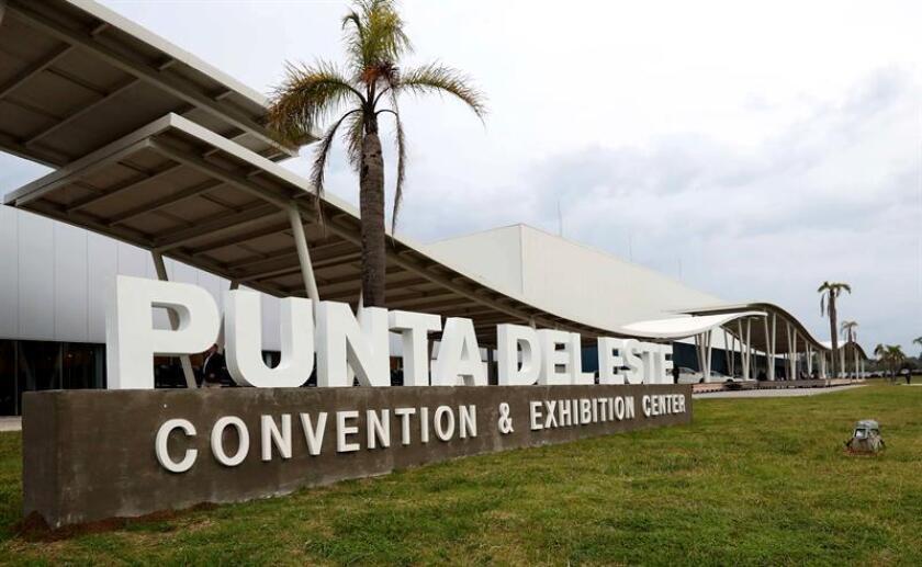 En la imagen un registro general del Centro de Convenciones de Punta del Este (Uruguay). EFE/Archivo