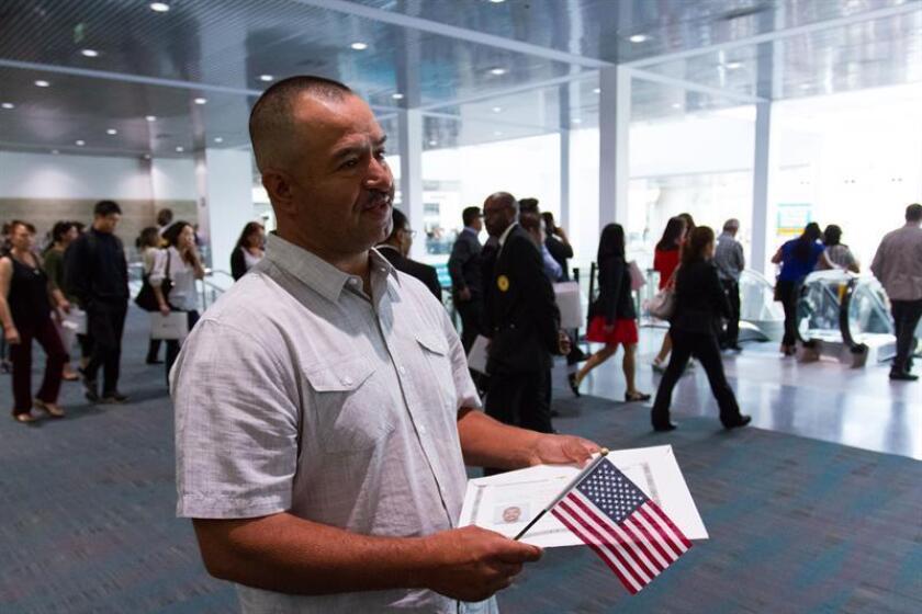 A pesar de las duras directrices impuestas por el Gobierno Trump al Servicio de Inmigración y Ciudadanía (USCIS), todavía hay oficiales que utilizan la discreción procesal en favor de los inmigrantes, reconocen y destacan varios abogados especialistas en la materia. EFE/Archivo