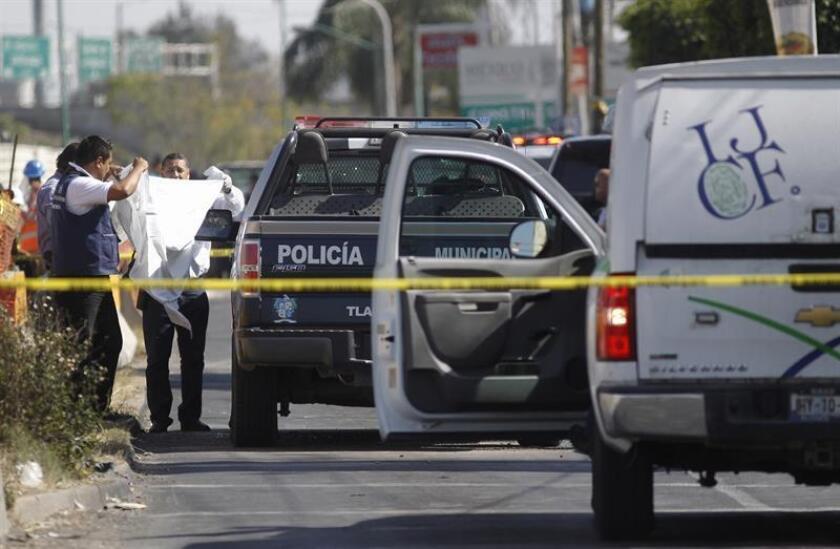 Los homicidios en México se incrementaron en un 16 % en los primeros seis meses del año, y en estos delitos cada vez es mayor la presencia del crimen organizado, según un reporte presentado hoy por la organización civil Semáforo Delictivo.
