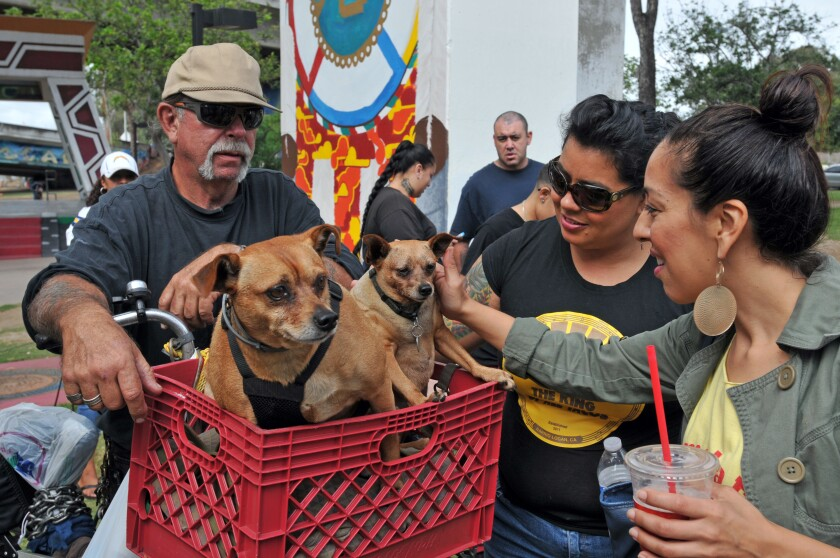 PAWS-Barrio Logan-Community Outreach Event-BC-103016 (77).jpg